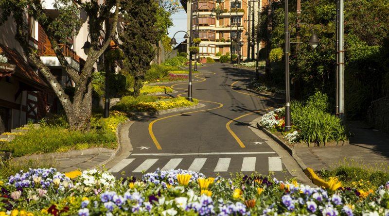 Diferentes culturas e crenças em Gramado na Serra Gaúcha. Na tomada de decisão por uma viagem e escolha de um destino, vários fatores fazem a diferença.